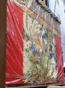 山鉾に飾られている豪華な織物