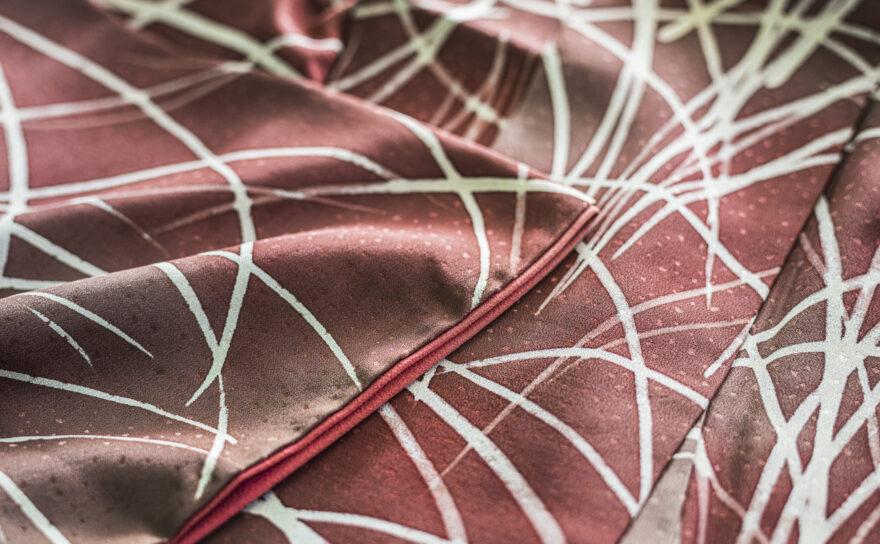 絹で作られている着物は湿気が大敵です!